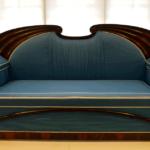 ¿Cómo restaurar un sofá antiguo?